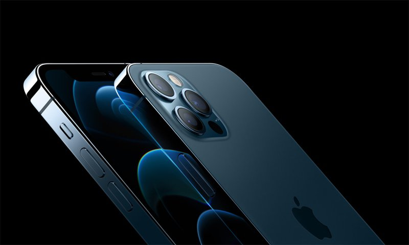 蘋果新手機開賣,iPhone 12 Pro太平洋藍最受用戶喜愛。圖/蘋果提供