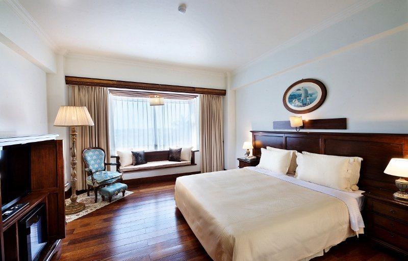 宜蘭香格里拉飯店客房,採用義大利進口原木家具。 業者/提供