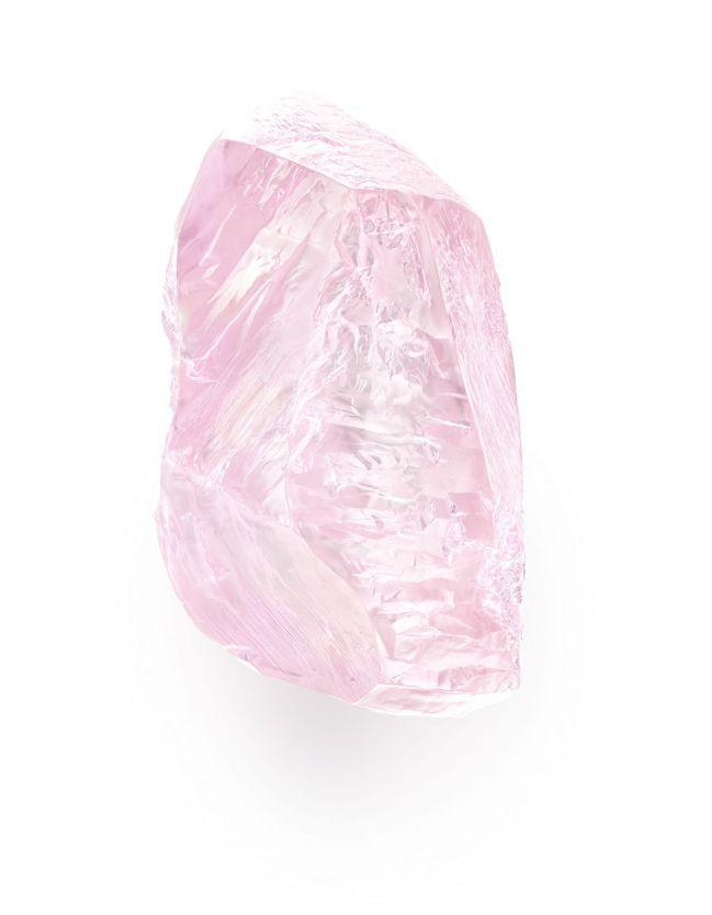 粉紅鑽原石。 images SOTHEBY'S