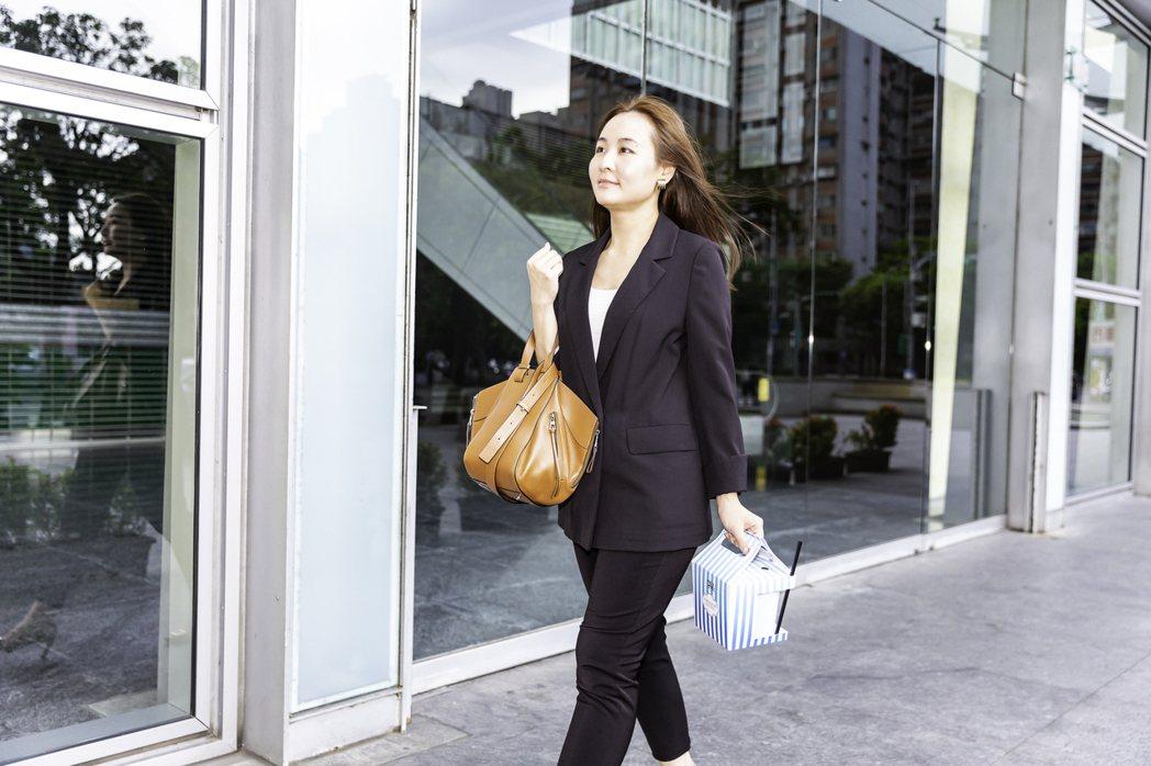 逸昇設計貼心設計「外帶餐飲盒」,攜帶從容優雅。 逸昇設計/提供