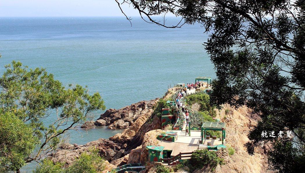 「鐵堡」,則是一處戰時蛙人部隊駐守的海上碉堡。