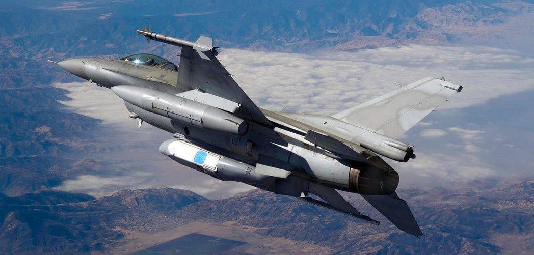 F-16新式偵照莢艙。圖/Collins Aerospace