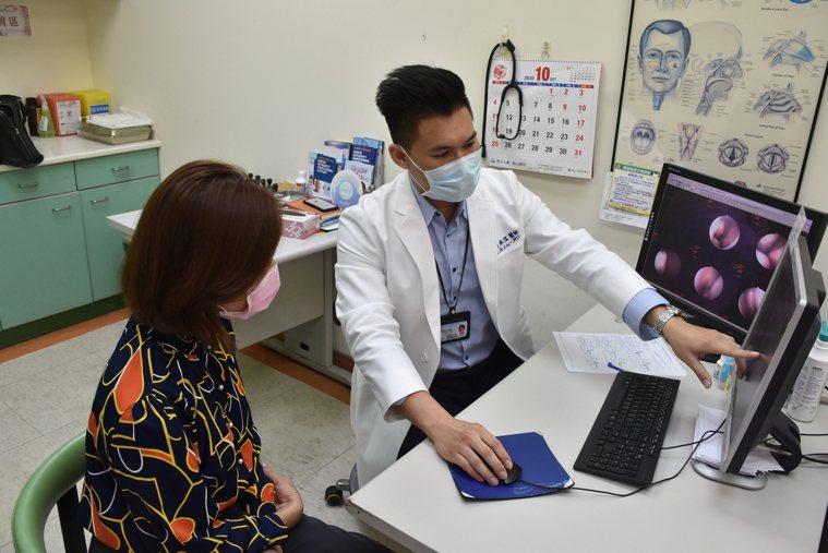 小港醫院耳鼻喉科劉承信醫師說,台灣約3成民眾受過敏及非過敏性鼻炎的困擾,遠離過敏...