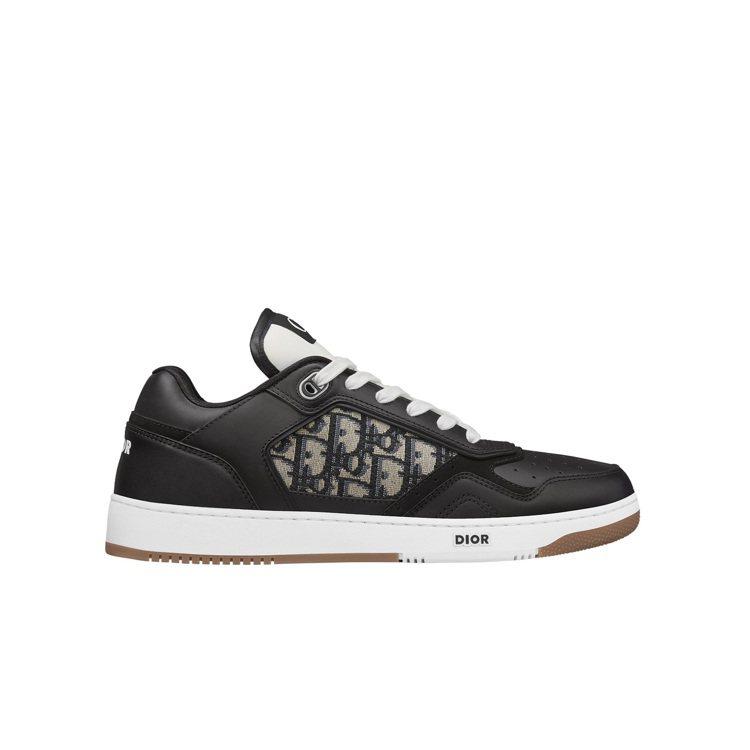 B27黑色光滑小牛皮與DIOR Oblique緹花低筒休閒鞋,32,000元。圖...