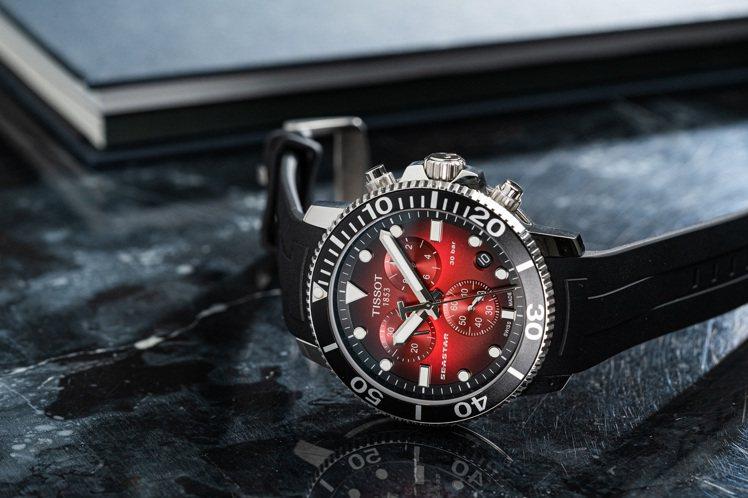 天梭表Seastar 1000計時碼表,不鏽鋼表殼搭載石英計時機芯,16,700...