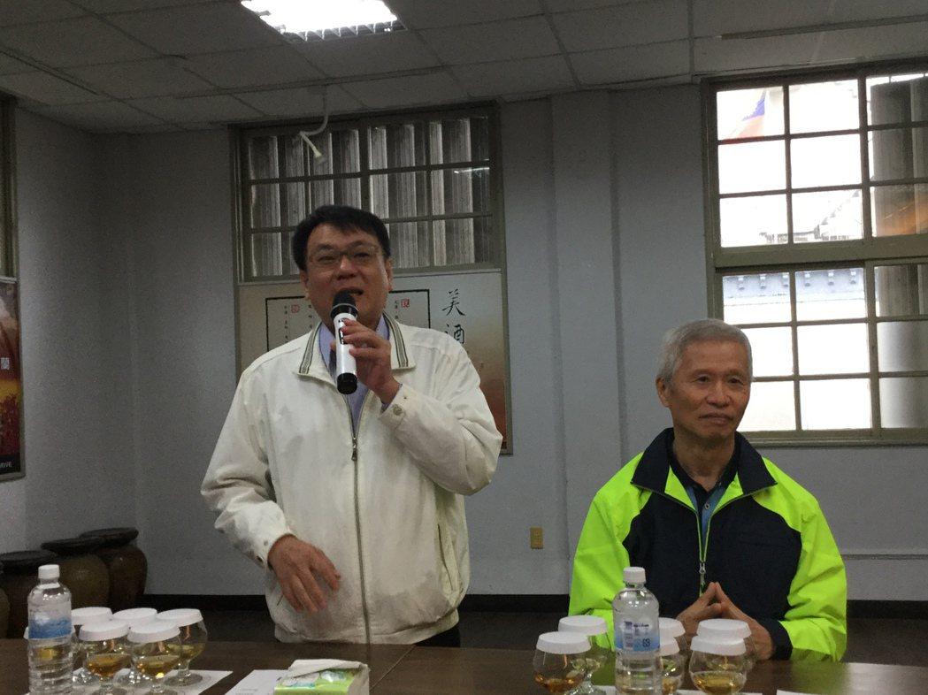 台酒董事長丁彥哲(左)、總經理黃及時(右)。記者程士華/攝影