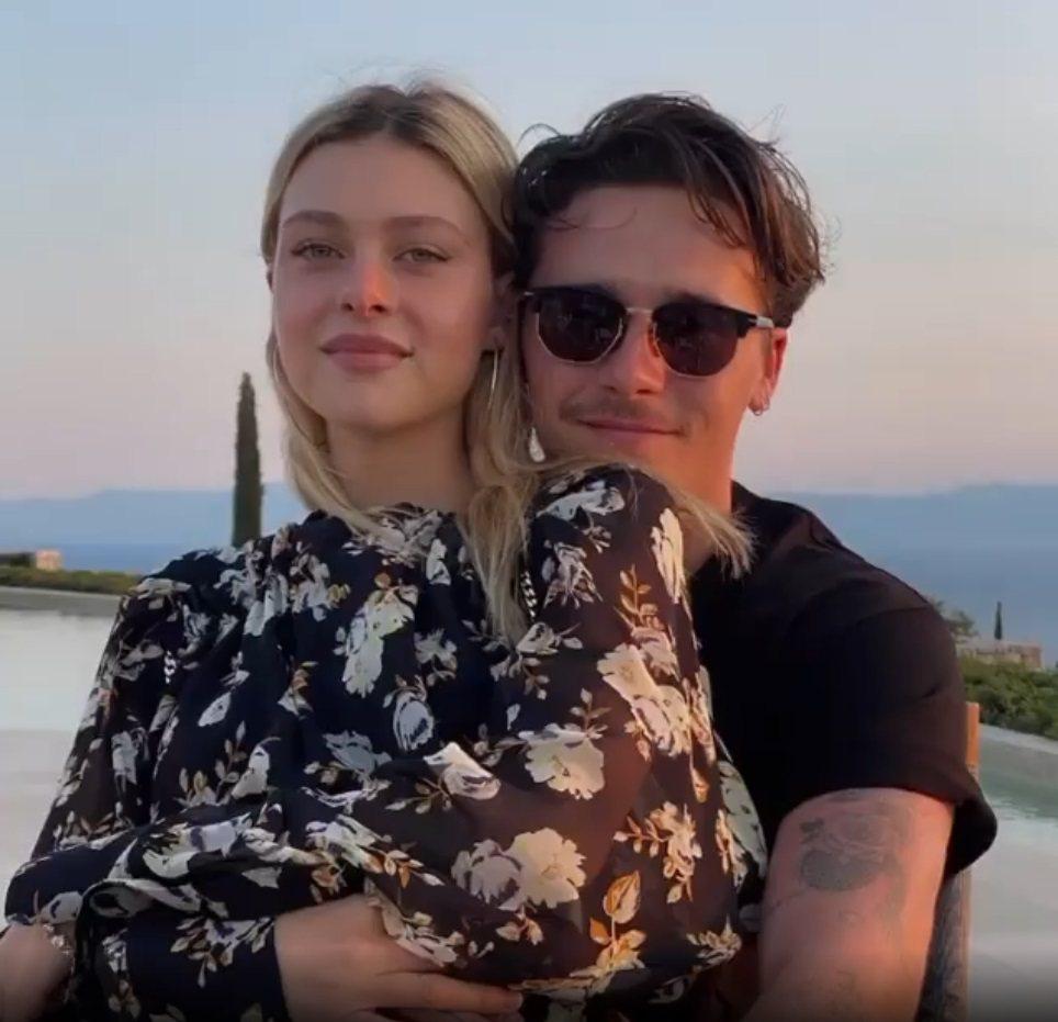 布魯克林貝克漢與妮可拉佩茲戀情正濃。圖/摘自Instagram