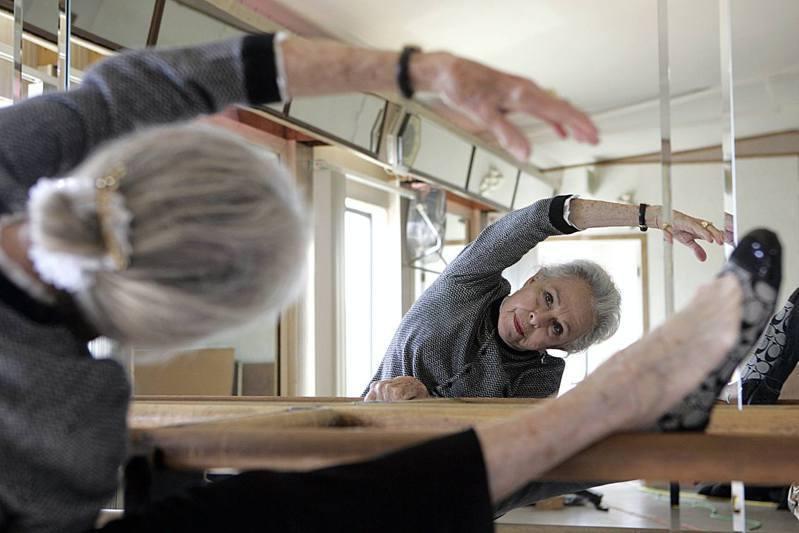 錢皮恩的兒子格雷格表示,過去6個月都與母親住在一起,並表示當錢皮恩100歲生日時,她仍繼續跳舞。 圖/Getty