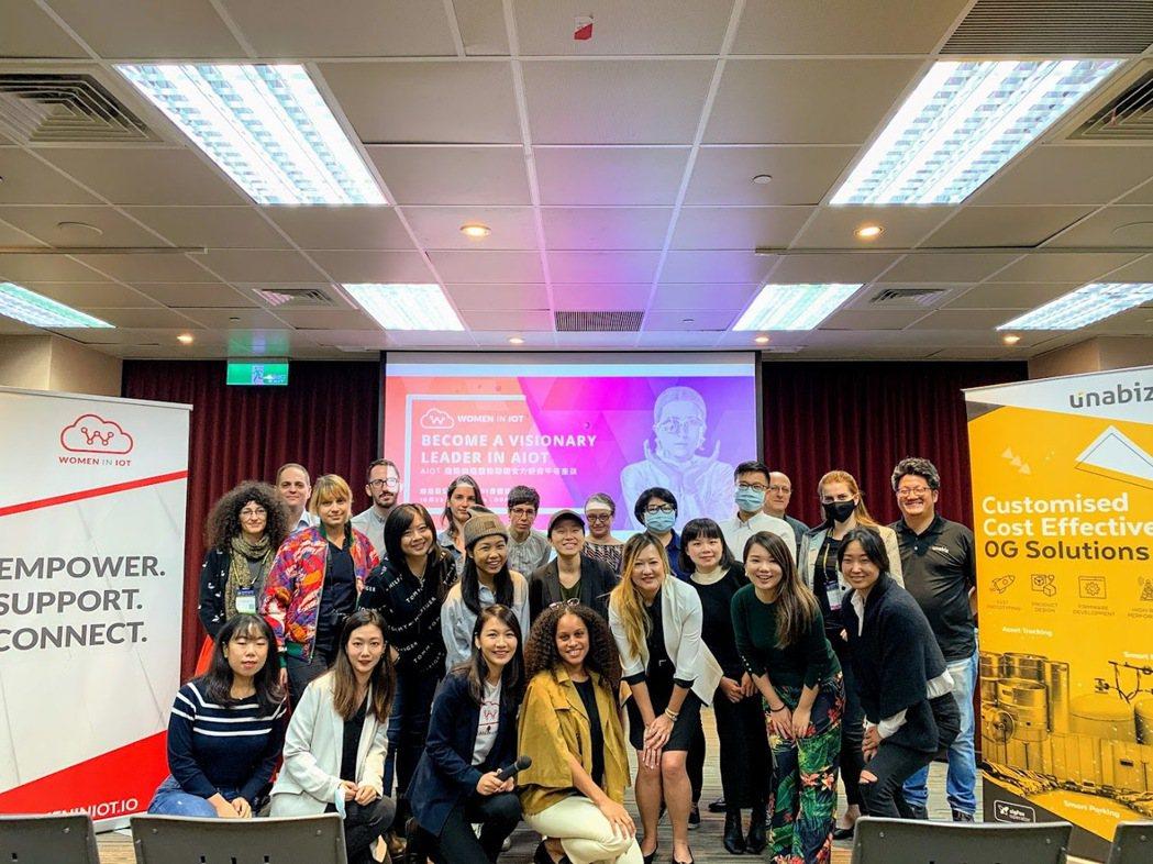 Women in IoT社群日前於台北國際電子產業科技展辦理座談,透過人工智慧x...