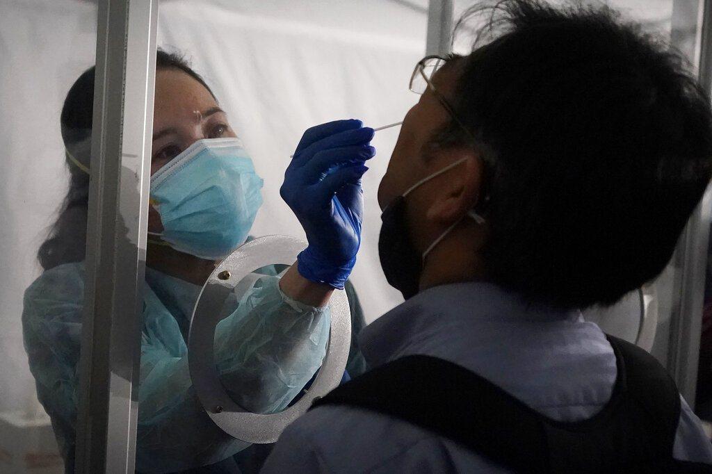 美國今天新增8萬4000多起2019冠狀病毒疾病(COVID-19)確診病例,創...