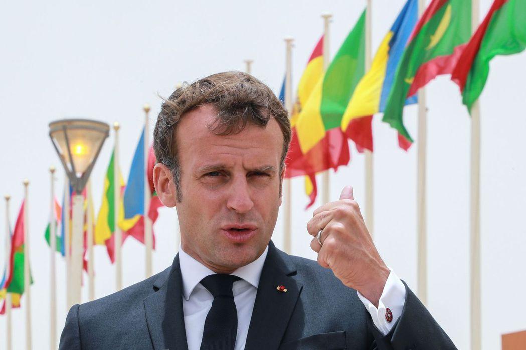 歐洲疫情自入秋以來爆發第2波高峰,法國確診病例飆破100萬例,總統馬克宏表示,法...