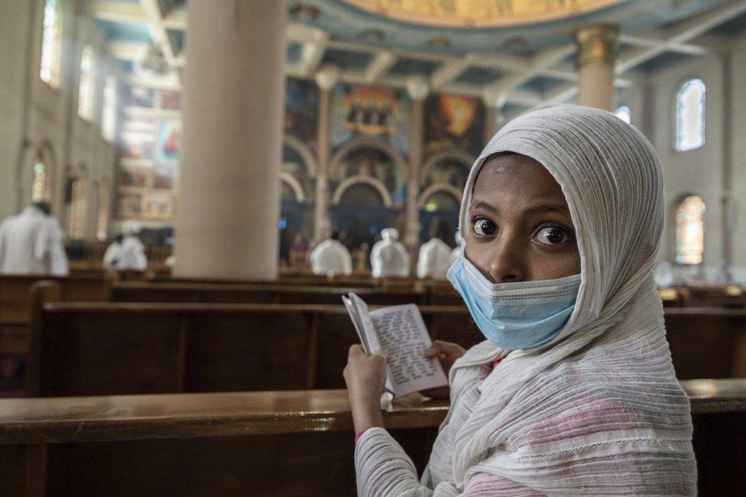 在衣索比亞公共場合不戴口罩,可能監禁最高達2年。美聯社