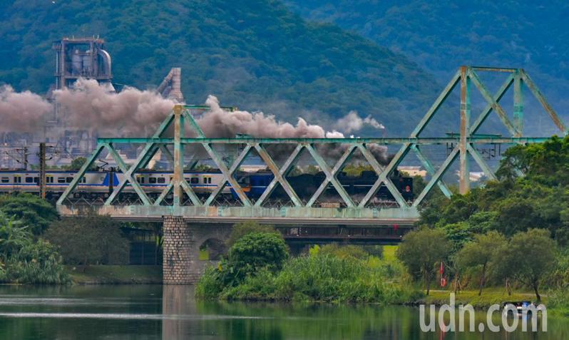 台鐵配合媽祖文化節出動CT273蒸汽列車,今有半天時間都會在蘭陽平原奔馳。記者張議晨/攝影