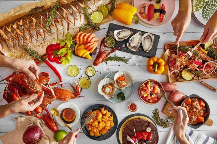 板橋凱撒大飯店的朋派自助餐廳,購買餐券購划算。圖/凱撒飯店連鎖提供