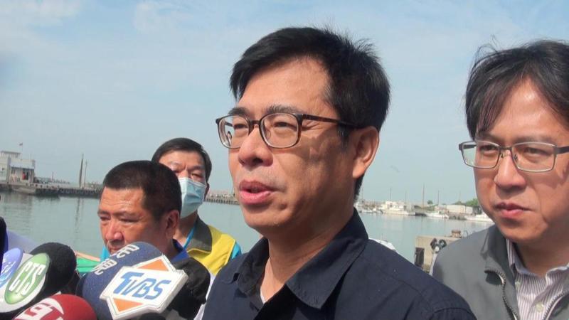 高雄市長陳其邁被問及建議摩漢堡採用石斑當食材,今早他表示,已向東元董事長黃茂雄提議此事。記者王昭月/攝影