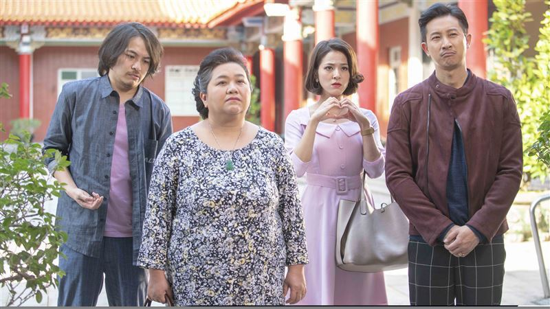 鍾欣凌主演「我的婆婆怎麼那可愛」,故事描繪台灣家庭成員間的情感、困境。。圖/公視...