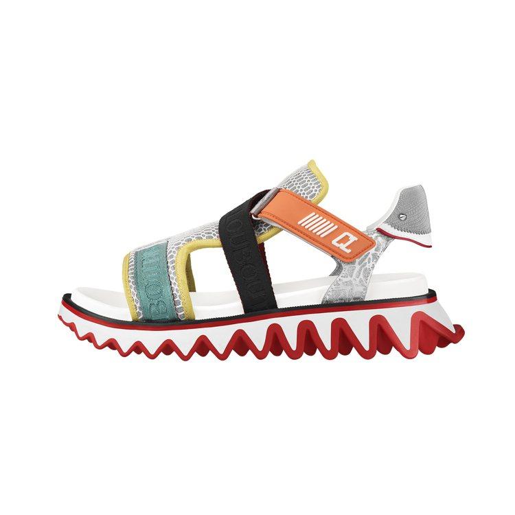 Christian Loubutin的Loubishark系列鞋款,也有涼鞋設計...
