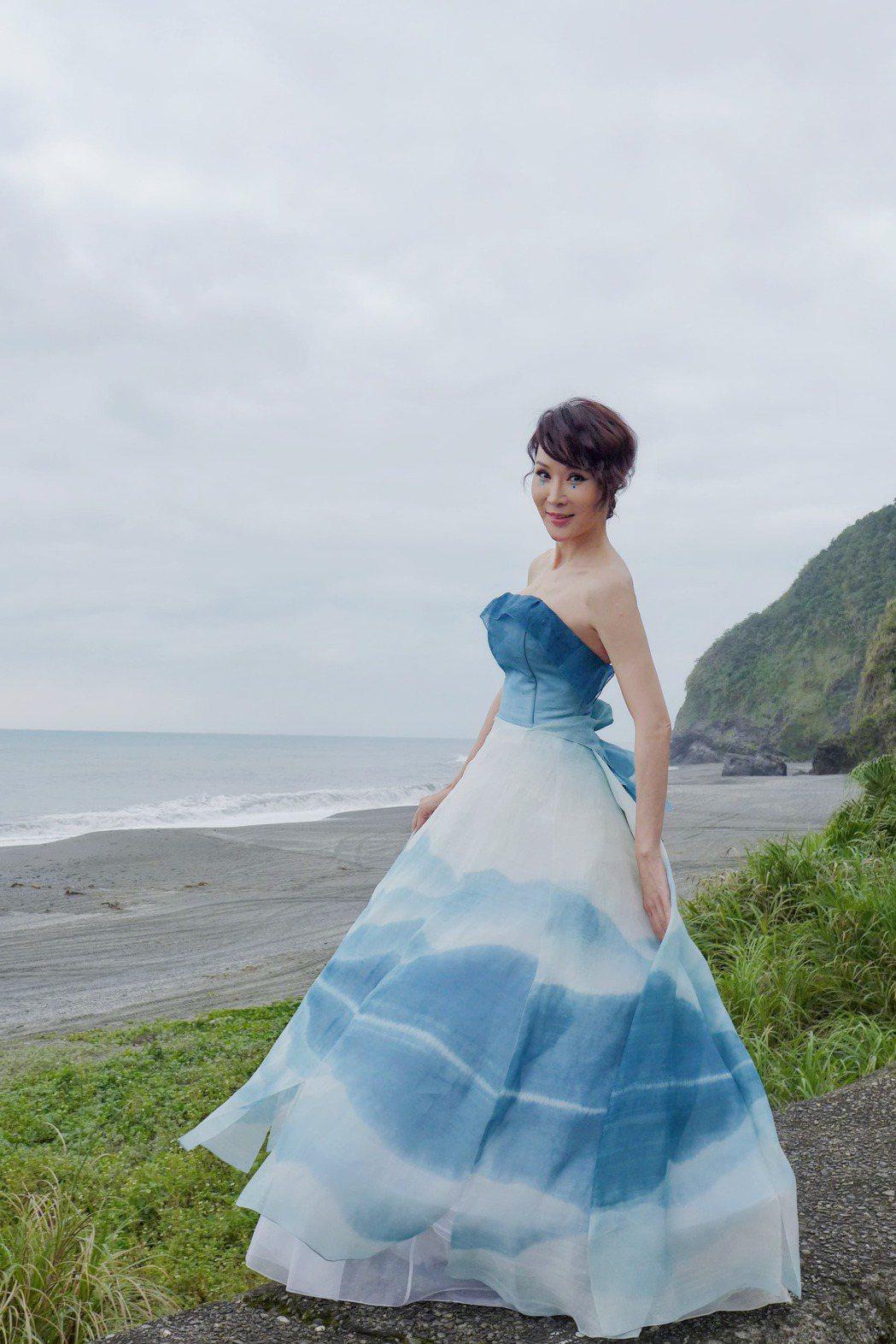 林千鈺到南方澳參加許艷玲2021春夏服裝發表會走秀。圖/許艷玲提供