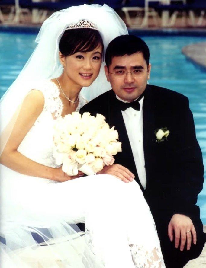 高怡平與認識3個月的先生閃電結婚,當時蔚為話題。 圖/取自50+(Fifty P...