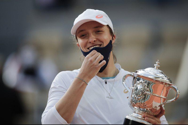 波蘭總統確診,法網女單冠軍團隊隔離。 美聯社