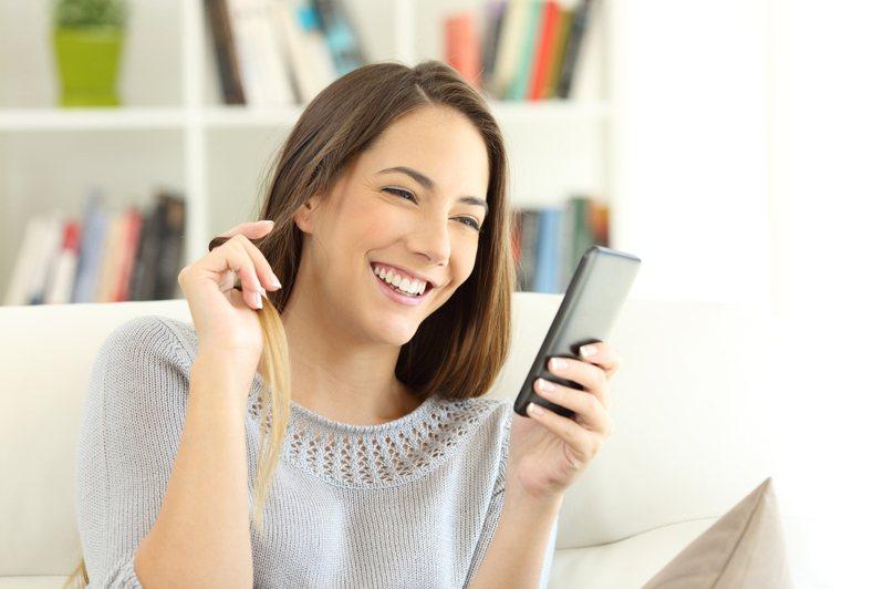 交友軟體是現代人認識朋友的管道之一。 示意圖/ingimage