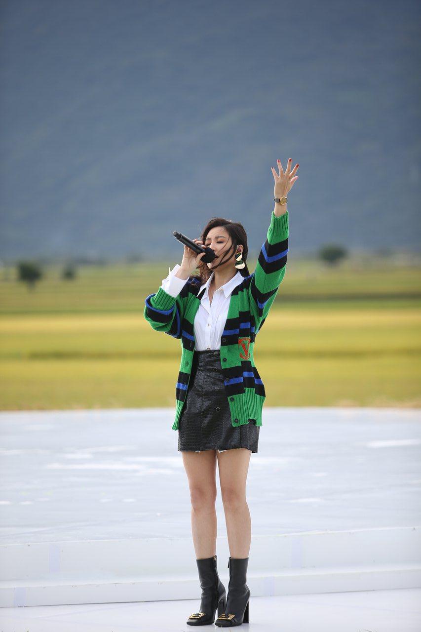 A-Lin二度獻唱,求池上強風別讓自己當瘋婆子。記者陳睿中/攝影