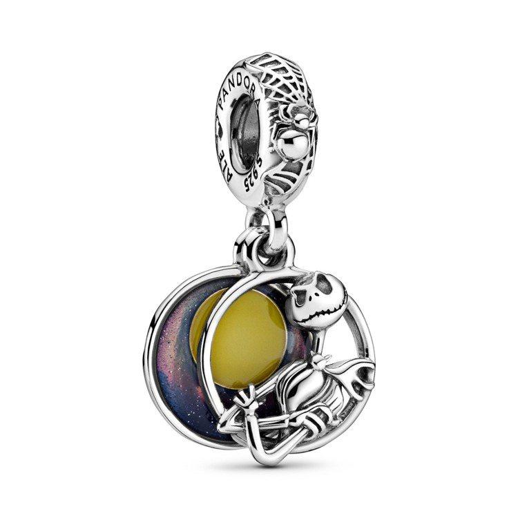 Disney x Pandora聖誕夜驚魂925銀吊飾,2,480元。圖/Pan...