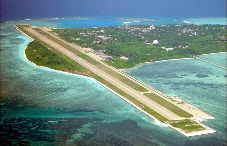 大陸努力造島後的現況,圖為永興島及已加長至三千公尺的跑道。圖/取自騰訊