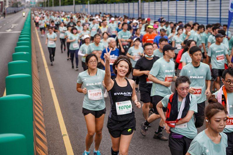 2020長榮航空城市觀光半程馬拉松今天開跑。圖/長榮航空提供