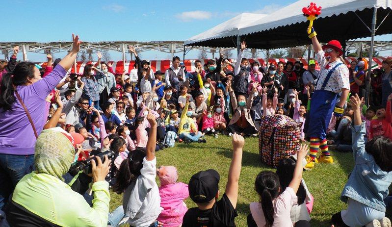 清潔隊員節慶祝活動在新屋農博環境教育園區舉行。圖/桃園市環保局提供