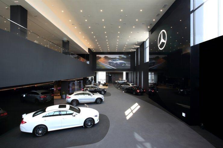 南韓今年進口車銷量激增,又以賓士最暢銷。圖擷自南韓賓士汽車