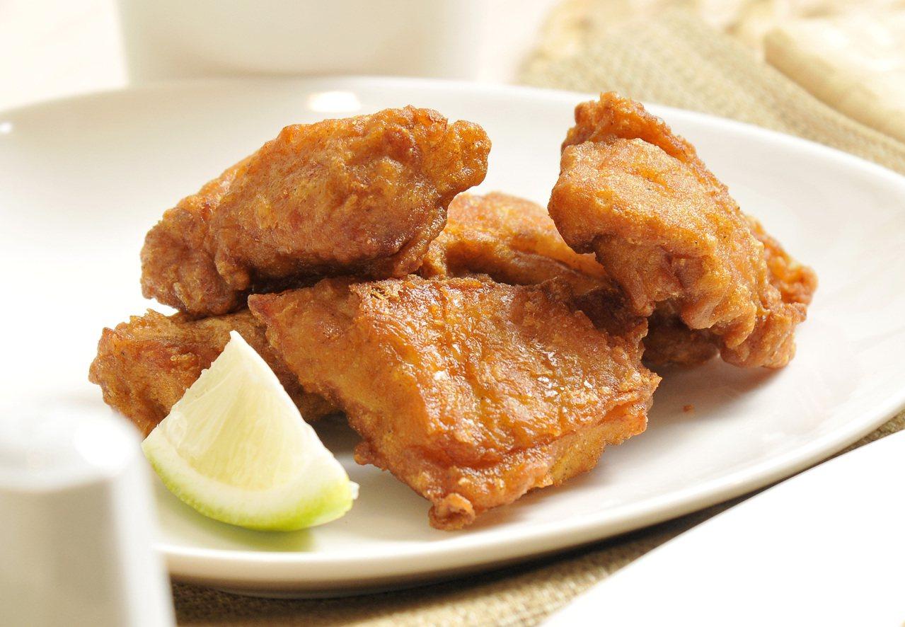 日式唐揚雞塊。  圖/林澔一 攝影