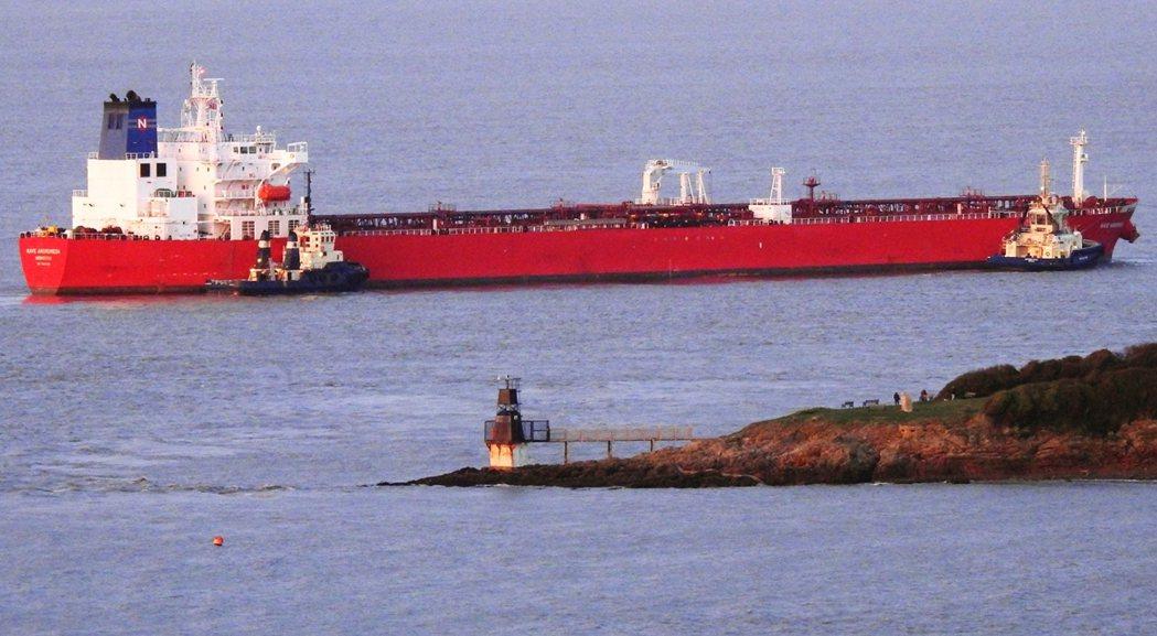 發出求救警報的油輪仙女座號(Nave Andromeda),是由希臘貨輪管理公司...