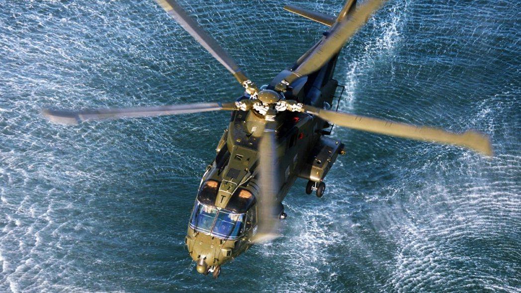 25日英國南方發生了一場「油輪劫持疑案」。一艘懸掛賴比瑞亞旗的希臘油輪仙女座號發...