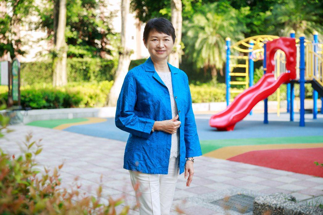 台灣女性生涯發展協會理事長陳若玲認為,女性重返職場也要超前部屬,學習安頓家庭與管...