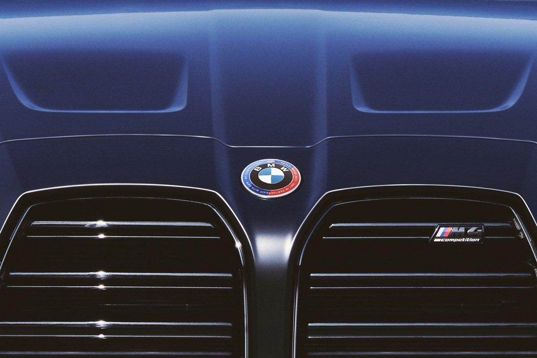 這也是BMW有史以來第一次為了合作夥伴更改Logo。 圖/BMW提供