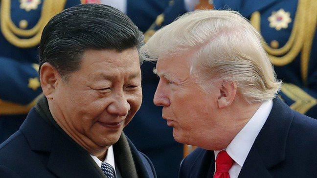美國總統川普(右)與中國國家主席習近平(左)。美聯社