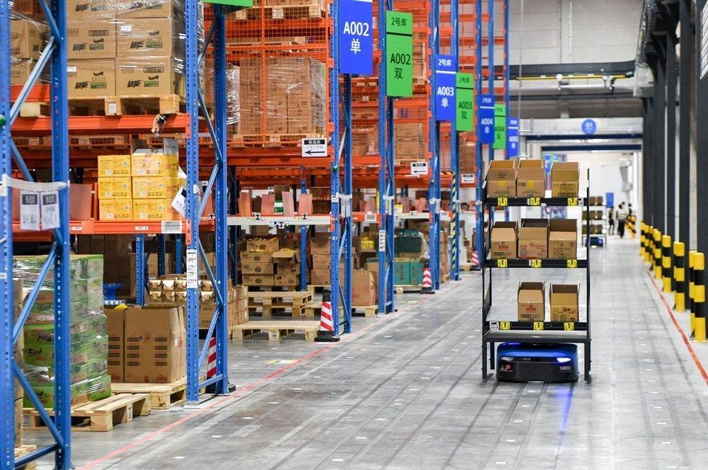 為應對2020天貓雙11全球狂歡季龐大的快遞包裹量,菜鳥網絡採取包括將活動的商品...
