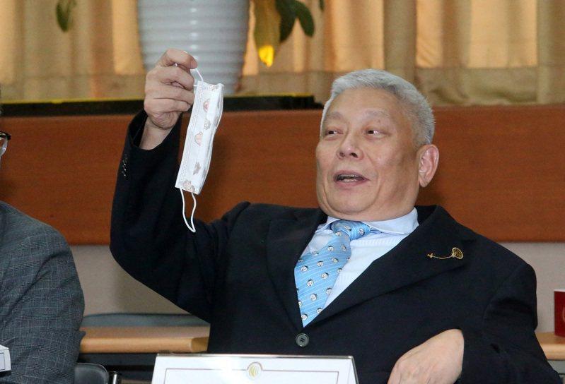 旺中投資董事長蔡衍明今天上午就出席中天新聞台換照聽證會。記者胡經周/攝影