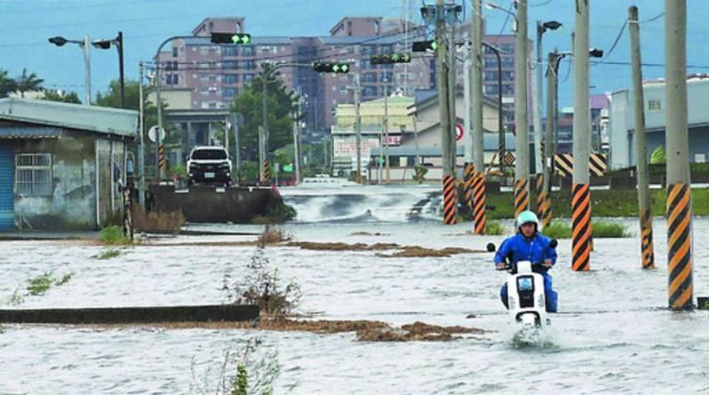 宜蘭市美福大排遇到颱風豪大雨來不及宣洩,曾經造成水患,未來將改善建業排水引流入蘭陽溪,以紓解美福大排的壓力。 本報資料照片