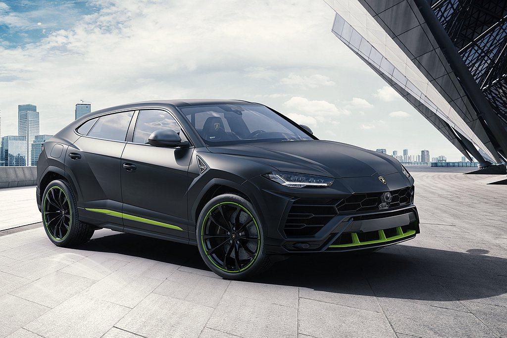 「Lamborghini Urus是一款具有多元性格的Super SUV,駕駛及...