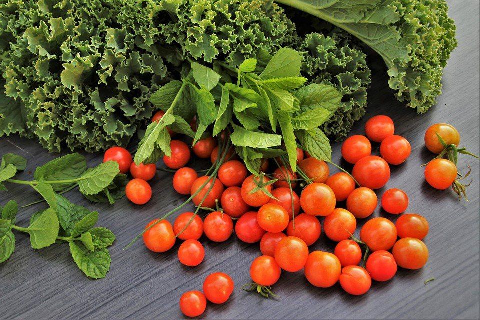 研究發現,番茄富含的「茄紅素」是高抗氧化劑,有助保護身體遠離紫外線傷害。 圖/p...