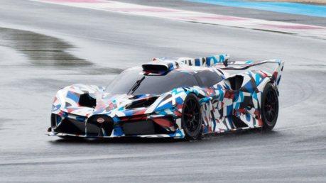 神秘的X尾燈?Bugatti超跑現身法國賽道測試 預告10月28日揭曉!