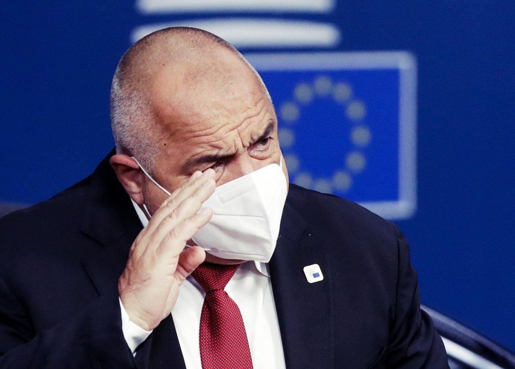 保加利亞總理鮑里索夫(Boyko Borissov)反對衛生大臣的防疫建議,刻意...