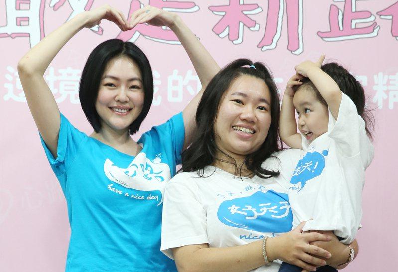 小S徐熙娣(左)擔任心路基金會愛心大使,並捐贈100萬元呼籲粉絲、民眾響應募款。記者曾學仁/攝影