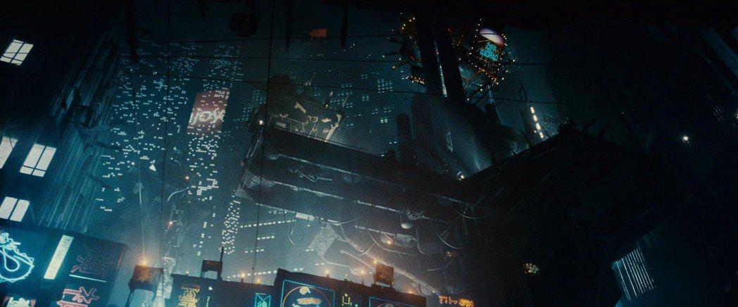 直到現在,《銀翼殺手》建構的視覺奇觀依然影響深遠