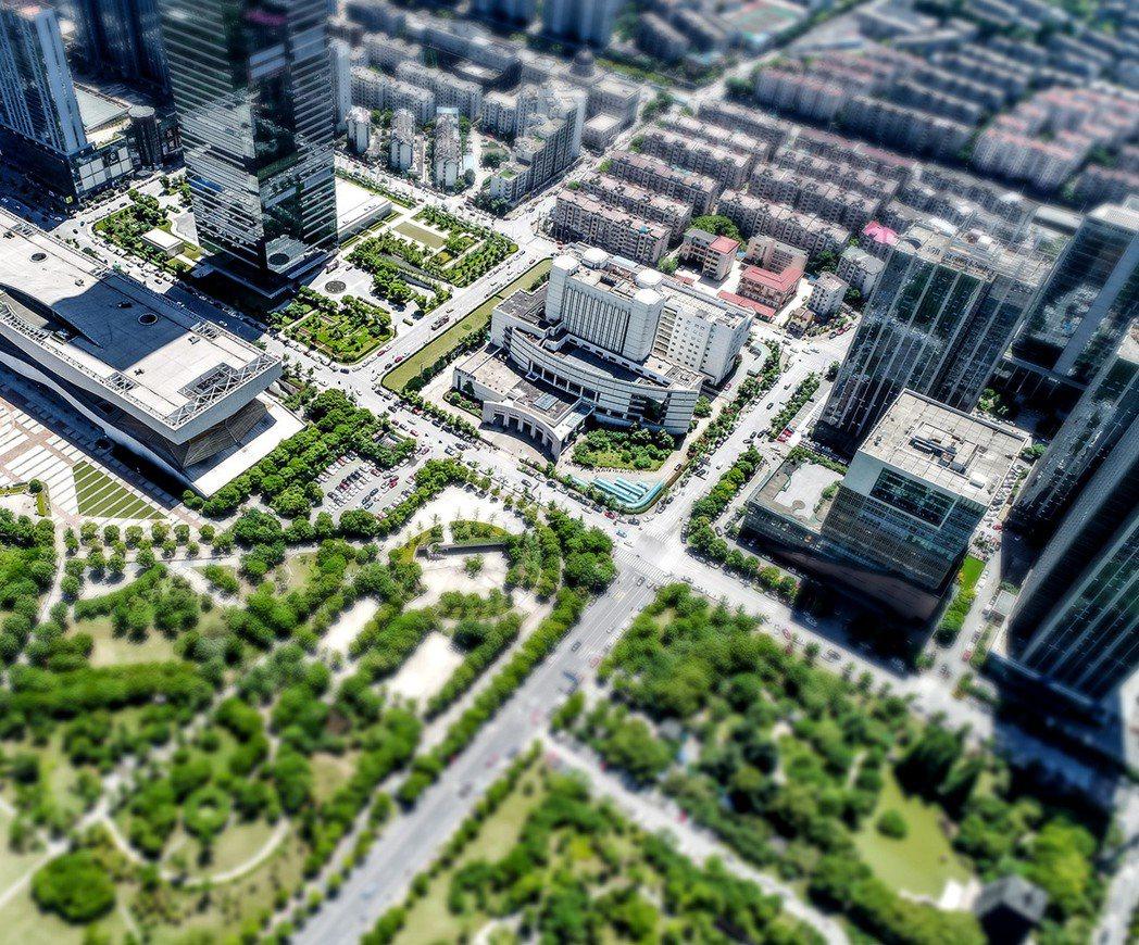 大竹重劃區為於青埔高鐵特區與航空城計劃區間的要塞位置,有機會成為桃園房市的明日之...