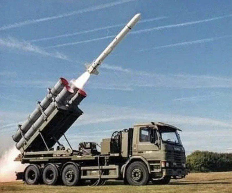 美國政府於美東時間10月26日就「魚叉飛彈海岸防衛系統」23.7億美元對台軍售案,進行「知會國會」程序。 圖/取自波音推特
