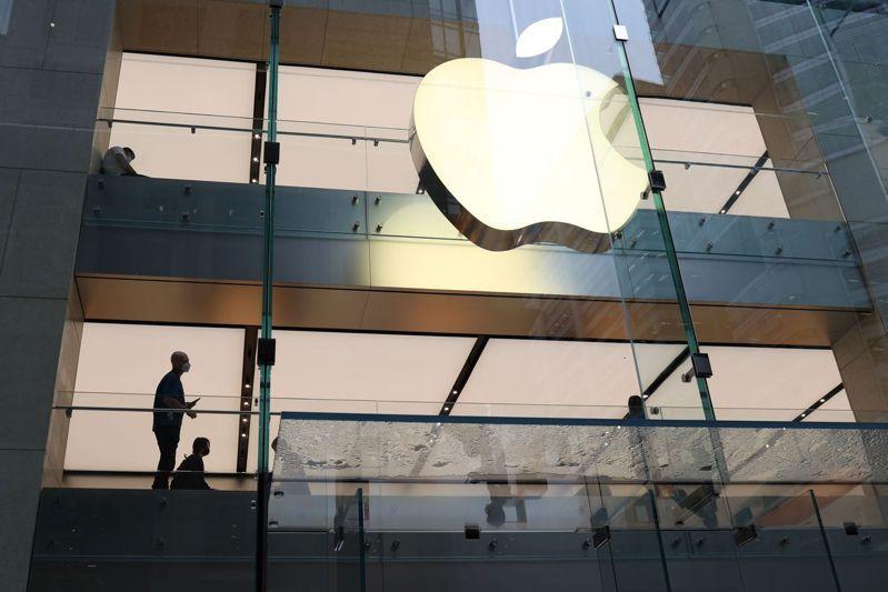 蘋果是周一道瓊唯一收盤上漲的成分股,上漲1美分。路透