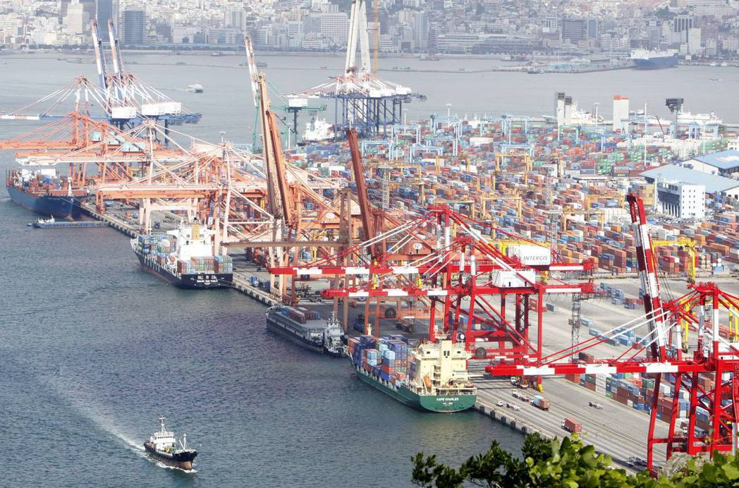 南韓上季出口大幅回升,帶動經濟擺脫衰退。 (路透)